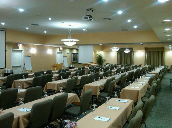 Hilton Garden Inn Denton: We offer 2,500+ sq ft of meeting space for a large banquet or meeting. We also offer a breakout