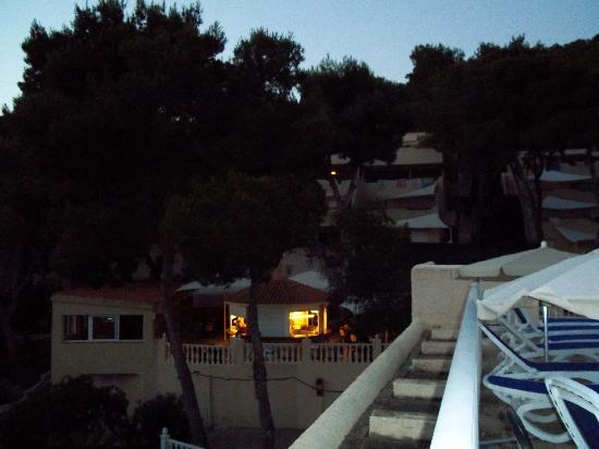 Globales Montemar Apartments: evening view from sunbathing terrace at hotel