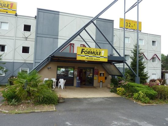 HotelF1 Brétigny sur Orge : Entrance
