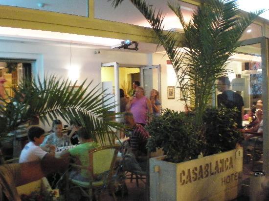 Hotel Casablanca: Serata Karaoke