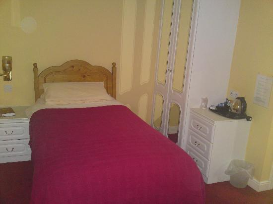 Highgrove Guest House: Single En-Suite Room