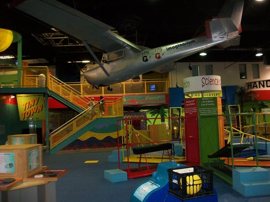 Fort Myers, FL: Newton's display - clever ways to learn about physics