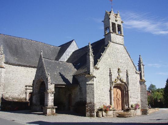 Gorvello Cafe: A nearby church.
