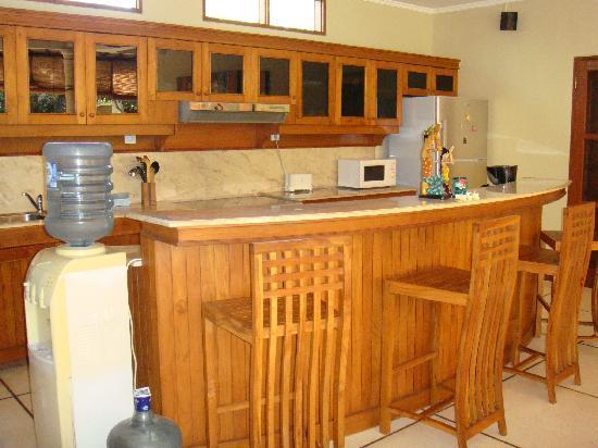 Emerald Villas: kitchen