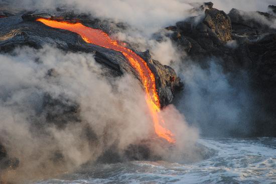 Pahoa, HI: Lava enter ocean