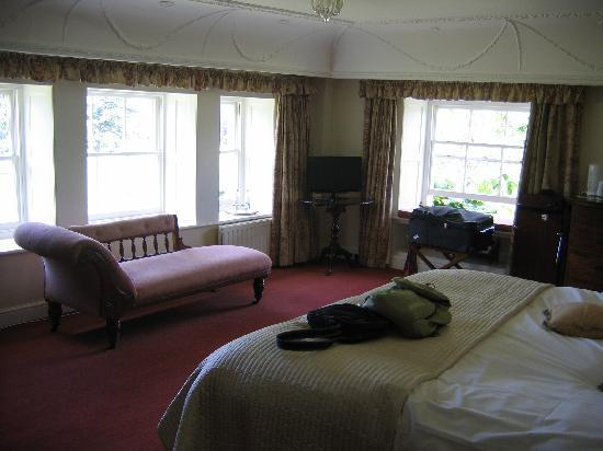 Harptree Court: Our gorgeous bedroom