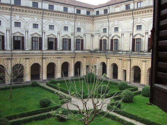 Museo di Palazzo Ducale. : ドカーレ宮殿中庭