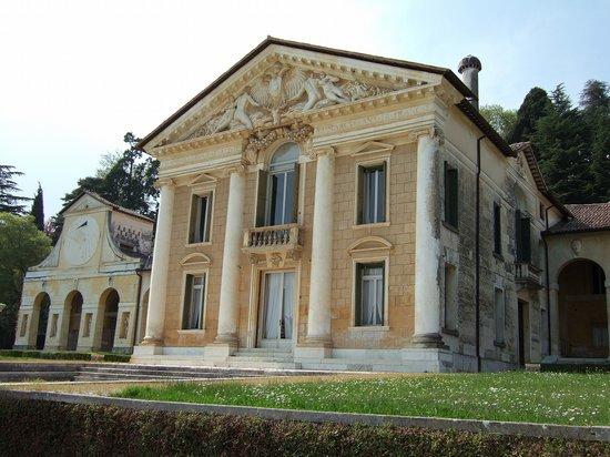バルバロ邸