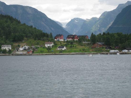 Dragsvik Fjordhotell: View from the fjord
