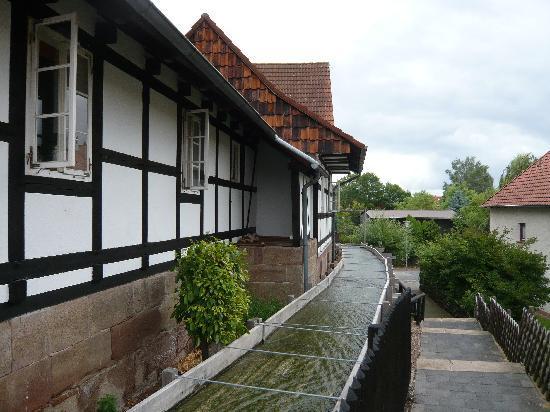Wilhelm-Busch-Muehle: Der Bach an der Wilhelm-Busch-Mühle