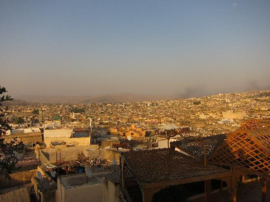 Riad Laaroussa Hotel and Spa : The medina at sunset.