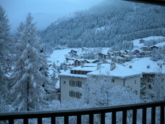 Hotel Adler Dolomiti Spa & Sport Resort: all'Adler ci sono stato anche a Natale. La foto è stata scattata dalla mia camera