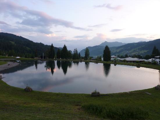 Pure Mountain Holidays Chalet St Matin : Les Gets swimming lake