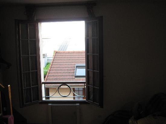 La Ferme des Barmonts: window view