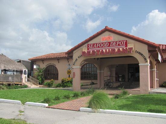 Everglades Seafood Depot: Restaurant