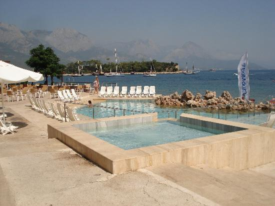 Club Med Kemer: piscine vue sur mer
