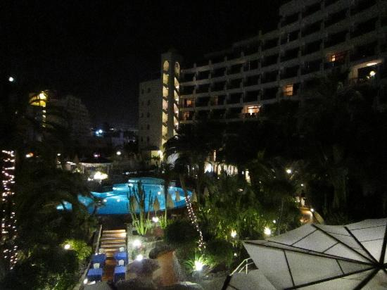 Seaside Sandy Beach : view of pool at night from room 409