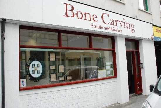 Bone Carving Studio and Gallery : The Shop