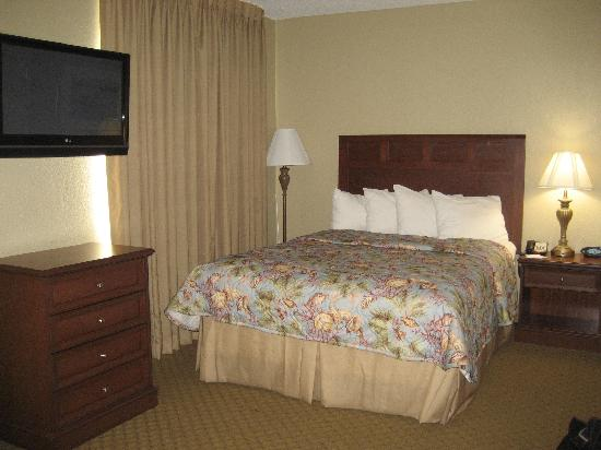 MainStay Suites: The Queen Bed area for the Queen Efficiency Suite