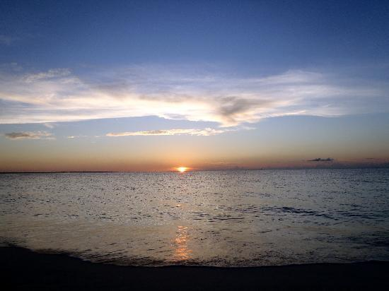 Providenciales: Another fabulous sunset from RWI
