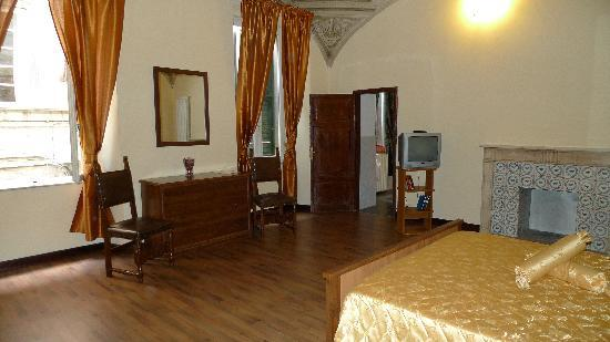 Bed and Breakfast Pantaneto Palazzo Bulgarini: Zimmer Margherita