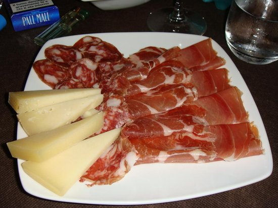 In Cantina: antipasto