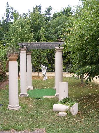 Elme Hall Hotel garden