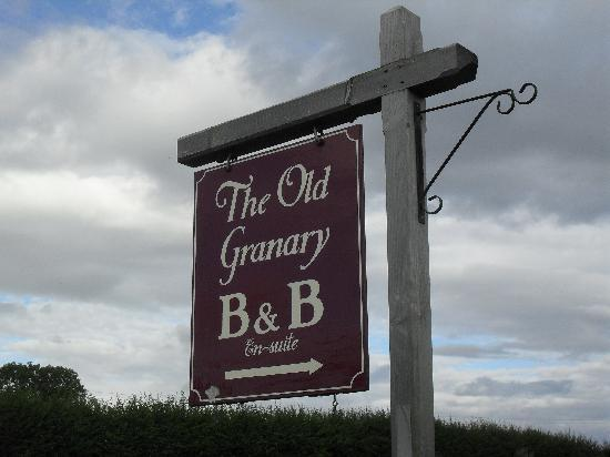 Thistledown House B&B: old granary sign from road