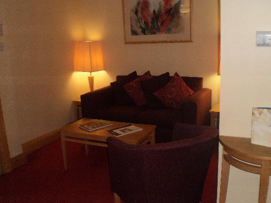Suites Hotel & Spa -  Knowsley: lounge