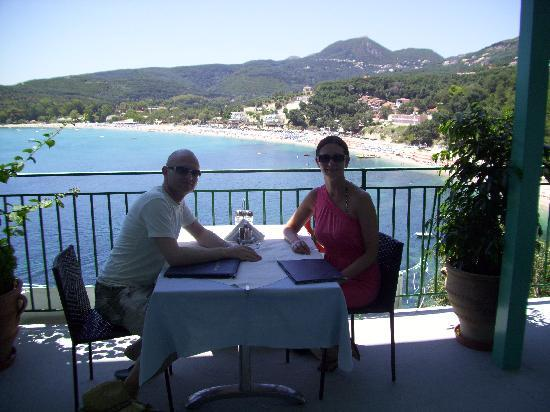 Taverna Stefanos: The view from our lunch