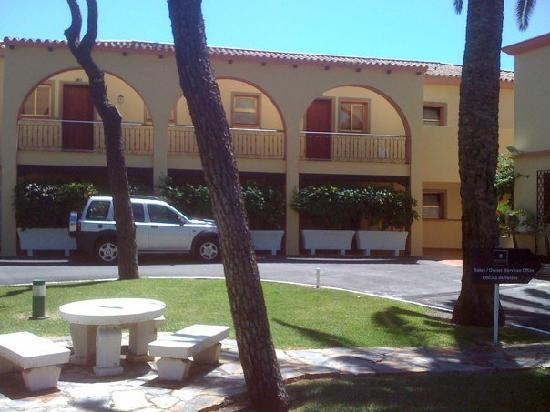 Macdonald Leila Playa Club: Front view of Block C