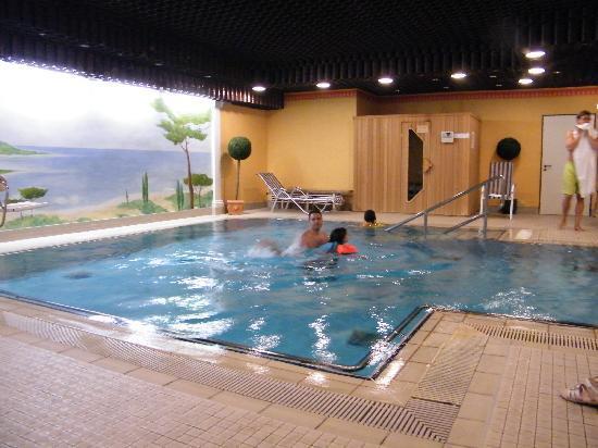 Hotel Mondial: pool