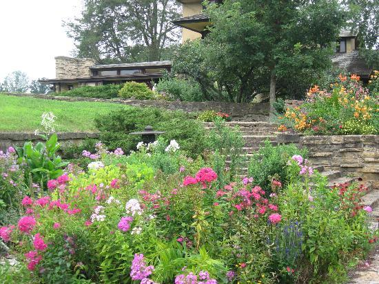Spring Green, WI: beautiful gardens pair with architecture