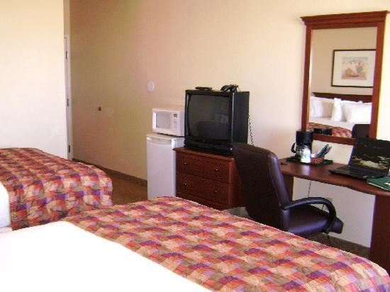 GuestHouse Inn & Suites Albuquerque Airport: Country Inn and Suites