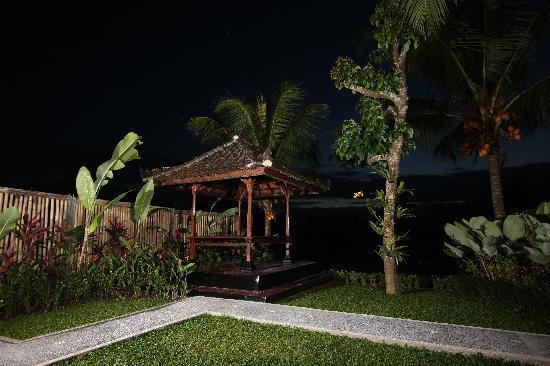 Guest House Kudos: Garden Area