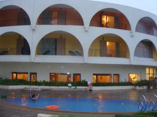 Sahil Sarovar Portico: Pool