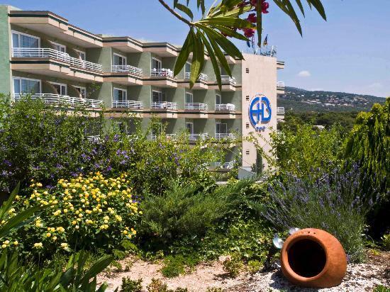 Hotel Agua Beach: Fachada Principal