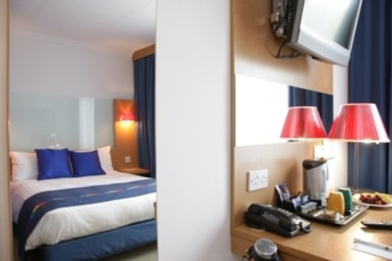 Park Inn by Radisson Birmingham West: Bedroom