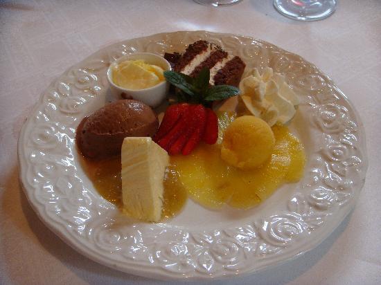 """Restaurant Gotthard: Dessertteller """"Gotthard"""""""