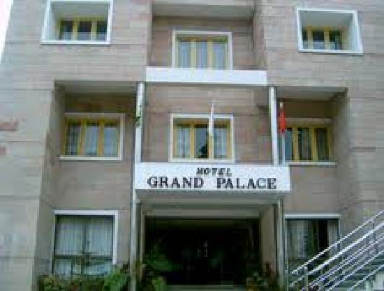 Hotel Grand Palace: the hotel