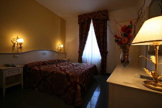 Hotel La Meridiana: Camera standard recentemente ristrutturata