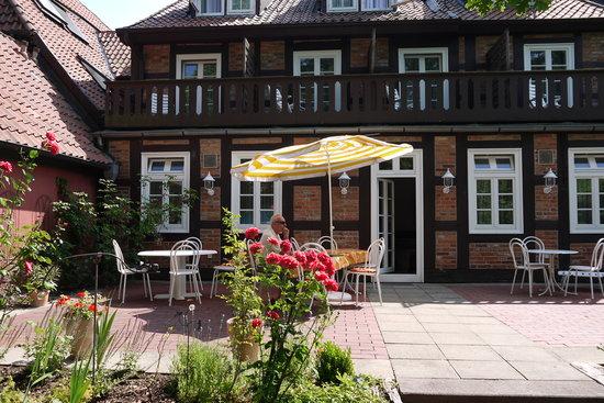 Hotel Garni St. Georg: Reizender Innenhof