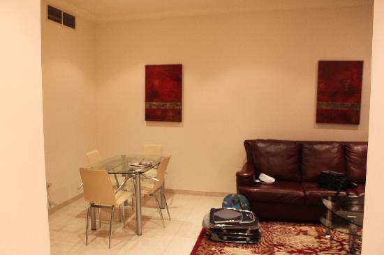 Dubai Marina Apartments : Dining area