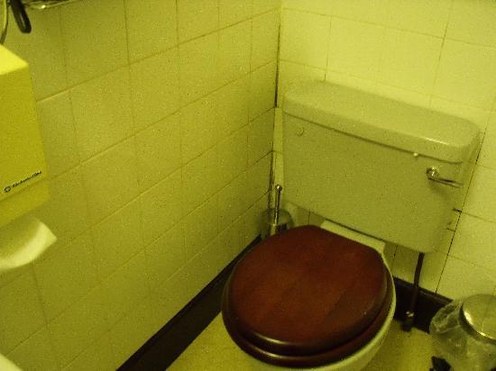 Mackenzies Highland Inn : Bathroom