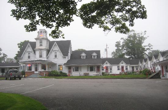 Yarmouth, Canada : Main house and motel rooms
