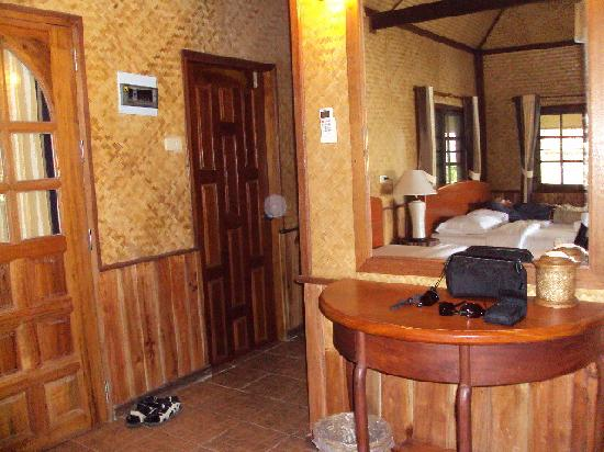 Peter Pan Resort: Our cabin was very basic cooled by a fan.