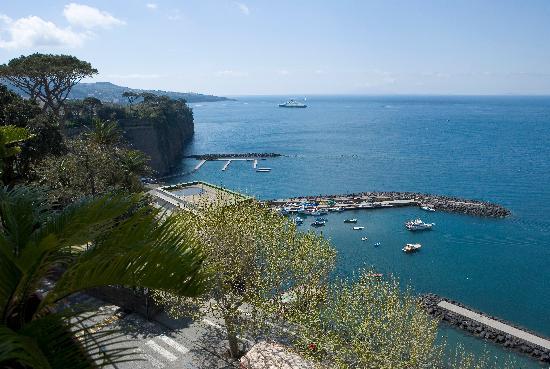 Piano di Sorrento, Italie : VEDUTA DALL'HOTEL