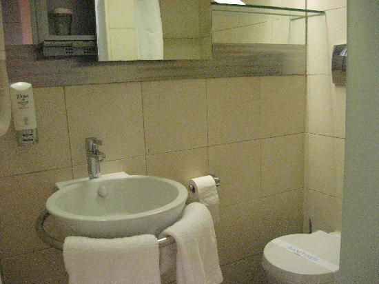 Hotel Olympia: Toilette