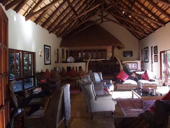 Elephant Plains Game Lodge : Bar- und Aufenthaltsraum