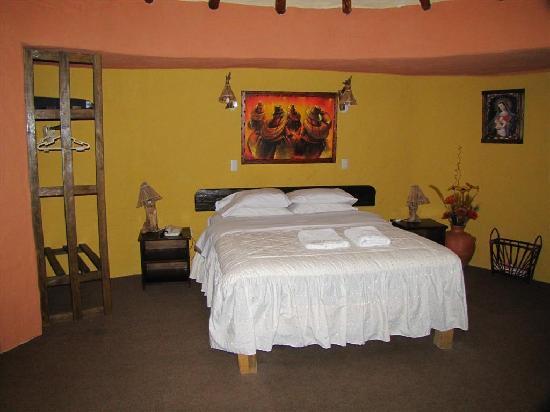 Hotel Kunturwassi Colca: Bedroom